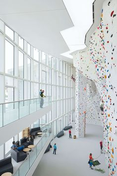 Stifter + Bachmann · School Bouldering and Climbing Centre in Brunico - Italy