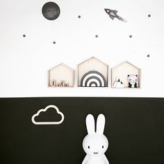 Black & white wall, kids room, Miffy lamp - Instagram photo by @tessandjack_