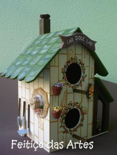 cute birdhouse                                                                                                                                                     Mais