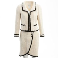 Pre-owned Chanel Wool Suit Jacket ($1,978) ❤ liked on Polyvore featuring outerwear, jackets, ecru, women clothing jackets, woolen jacket, white two piece, wool collar jacket, chanel jacket and chanel