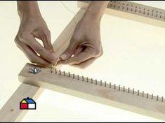 How to make loom and weavie Weaving Loom Diy, Hand Weaving, Tapestry Weaving, Loom Patterns, Weaving Techniques, Rug Hooking, Loom Knitting, Woven Rug, Handicraft