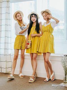 Marishe Korean Fashion Similar Look I Pin By Aki Warinda Dearzuffy Fashion북! Ulzzang Fashion, Kpop Fashion Outfits, Korean Outfits, Cute Fashion, Fashion Beauty, Summer Outfits, Cute Outfits, Korean Fashion Trends, Friend Outfits