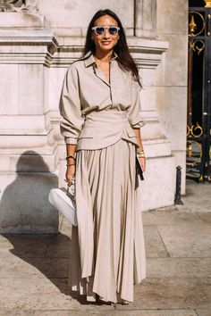 The best street-style moments from Paris Fashion Week Dope Fashion, Cool Street Fashion, Colorful Fashion, Modest Fashion, Paris Fashion, Womens Fashion, Style Fashion, Spring Street Style, Street Style Looks
