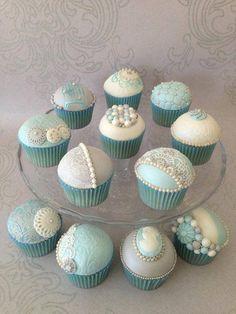 Vintage Pearl cupcakes