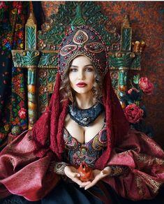 Self Portrait Photography, Photography Women, Fashion Photography, Russian Beauty, Russian Fashion, Russian Style, Fashion D, Folk Fashion, Tribal Outfit
