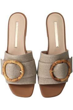 Huarache, Cute Sandals, Shoes Sandals, Slipper Sandals, Kinds Of Shoes, Fashion Sandals, Womens Slippers, Summer Shoes, Girls Shoes