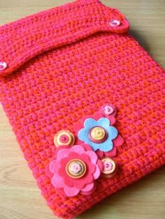Crochet laptop sleeve -- will use to create a cover for my new tablet. Hopefully it'll turn out well