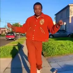 Walk in sober, walk out Waisted! Mood all summer 2019 Mood Songs, Music Mood, Funny Video Memes, Funny Relatable Memes, Jay Versace, Funny Dancing Gif, Funny Black Memes, Current Mood Meme, Dance Music Videos
