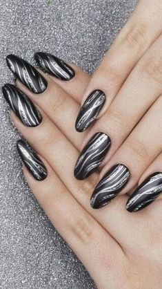 Beauty nails Black and silver nails my favourite Nagelkunst Jacuzzi – Soak Your Inner Spirit Afresh Fancy Nails, Trendy Nails, Cute Nails, Silver Nail Designs, Best Nail Art Designs, Nagel Blog, Pin On, Nagel Gel, Nail Decorations