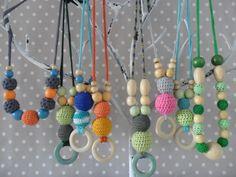 Collares de lactancia Trapillarte. Elige tu color, hay decenas de combinaciones posibles. Más info en www.trapillarte.net