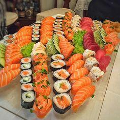Cute Food, A Food, Good Food, Food And Drink, Yummy Food, Barca Sushi, Food Goals, Aesthetic Food, Food Cravings