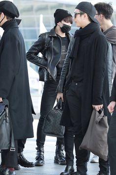 Kookie and Rapmon airport style Maknae Of Bts, Jimin Jungkook, Bts Bangtan Boy, Bts Airport, Airport Style, Airport Fashion, Jung Kook, K Pop, Bts Hoodie