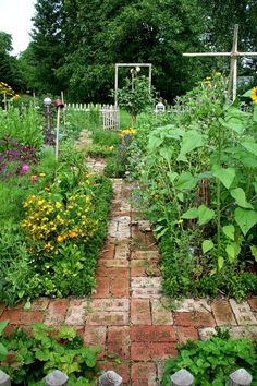 Secret Garden Landscaping Reminds me of my great-grandmother& garden, though hers was MUCH smaller. Allotment Gardening, Potager Garden, Veg Garden, Edible Garden, Garden Cottage, Garden Paths, Garden Landscaping, Vegetable Gardening, Brick Garden