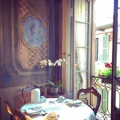 Buongiorno! Breakfast @hotelpironi have breakfast in a museum 😀 Frescos from 17th century #goodmorning #buongiorno #gutenmorgen #goodmorningworld #breakfast #frescos #art #breakfastart #beautifulhotels #beautifulplace #charminghotel #hoteldecharme #beautifuldestinations #enchanted #luxury #orchid #gorgeous #cannobio #lagomaggiore #instatravel #instacool #instapic