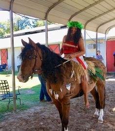 Horse Halloween Ideas, Horse Halloween Costumes, Halloween Eyes, Hollween Costumes, Animal Costumes, Group Costumes, Costume Ideas, Moana Halloween Costume, Funny Horse Memes