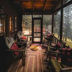 screened in porch and deck screened in porch diy screened in porch with fireplace screened in porch ideas screened in porch decorating ideas screened porch designs screened porch decorating Cabin Porches, Decks And Porches, Screened In Porch, Front Porch, Rustic Porches, Cabin Homes, Log Homes, Cabins And Cottages, Log Cabins