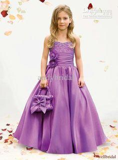 Moda  Adolescentes y Niños Elegancia  Estilo: Vestidos de Fiesta para Niñas Color Violeta.