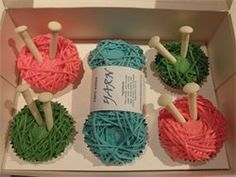 Knitting cupcakes by pARTy cakes