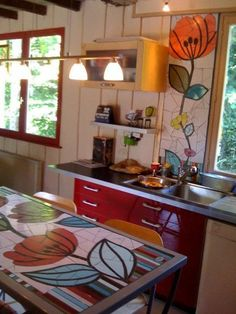 > Cuisines et Fresques - ManonLisa mosaïque - another great idea for dressing up an area of your house with wonderful art!