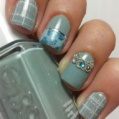Check out the cute easy nail designs and latest trends in nail art. Why not try these cute easy nail designs yourself?