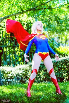 Character: Supergirl (Kara Zor-El) / From: DC Comics New 52 'Supergirl' / Cosplayer: Laurence Clef Guermond (aka Clef's Atelier, La Petite Feuille, aka Clefchan)