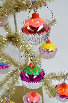 iLoveToCreate Blog: DIY Cupcake Ornaments  #ornaments #craft #christmas