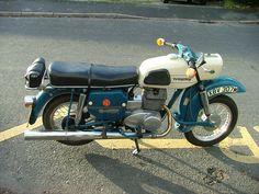 MZ ES250 Trophy Honda, Super 4, Classic Bikes, Sidecar, Tricycle, Hot Wheels, Cars And Motorcycles, Motorbikes, Biker