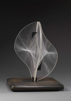 Naum Gabo Linear Construction in Space No.2, 1957-8