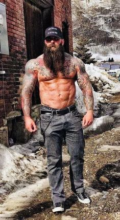 old fit guys Badass Beard, Epic Beard, Great Beards, Awesome Beards, Sexy Tattooed Men, Bearded Tattooed Men, Rugged Men, Long Beards, Beard Love
