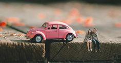 This wedding photographer turns couples into miniature people (Ekkachai Saelow) - 9GAG