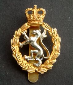 Womens Royal Army Corps Cap badge. Well it was my style in the 80's! Military Insignia, Military Police, Tudor Dynasty, British Armed Forces, Honor Guard, Challenge Coins, British Army, Sweet Memories, Headgear