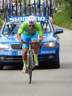 El ciclista colombiano Weimar Roldán del equipo Medellín-Inter vencedor de la 1ª etapa de la Vuelta a Asturias 2017