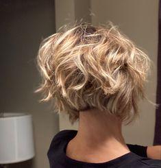 Messy Bob Haircuts, Messy Short Hairstyles, Short Choppy Haircuts, Bob Haircut Curly, Stacked Bob Hairstyles, Pixie Hairstyles, Hairdos, Cute Hairstyles, Short Hair Cuts