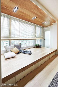 Bay Window Ideas Blending Functionality with Modern Interior Design Apartment Interior, Apartment Design, Home Bedroom, Room Decor Bedroom, Muji Home, Home Room Design, Minimalist Home, House Rooms, Modern Interior Design