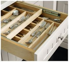 Another version of the cutlery drawer almost like how I imagined it! Can we make one which slides backwards above the current back of the shelf? Need to fix the runners on top of the current sides. WIP