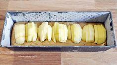 Sistemare le mele dentro la teglia da plumcake @vicaincucina
