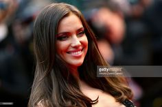 News Photo : Irina Shayk attends the 'All Is Lost' Premiere...