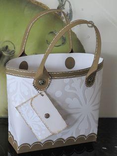 3d Paper Crafts, Paper Gifts, Petite Purses, Paper Purse, Tote Tutorial, Card Making Tutorials, Craft Bags, Mini Purse, Craft Items