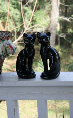 Vintage Ceramic Cats Kitty Black Cat Decor by RomantiqueTouch