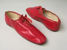 ©️ Manchester City Galleries Red leather shoes with leather soles, round toes and high front lacing with ribbon Red Shoes, Sock Shoes, Me Too Shoes, Shoe Boots, Victorian Shoes, Victorian Fashion, Victorian Era, Vintage Shoes, Vintage Outfits