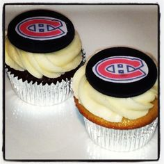 Chocolate and Vanilla Cupcakes with Montreal Canadiens logo! Montreal Canadiens, Vanilla Cupcakes, Chocolate, Cup Cakes, Hockey, Birthday Ideas, Desserts, Party Ideas, Logo