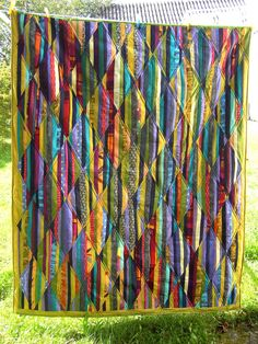Scrappy Quilt Patterns, Batik Quilts, Scrappy Quilts, Colorful Quilts, Small Quilts, Quilt Modernen, Geometric Quilt, String Quilts, Contemporary Quilts
