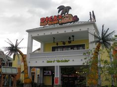Enjoy the sarcastic humor at Dick's Last Resort on The Island in Pigeon Forge and experience dining like never before! Take a swing at a full rack of Bubba Dick's BBQ Pork Ribs and wash it down with one of their famous Killa 'Rita's!