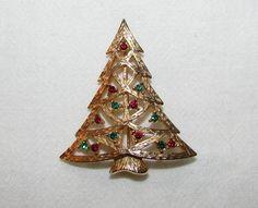 Christmas Tree Brooch Pin SIGNED LIA (Lianna) Goldtone w/Red & Green Rhinestones #LIA