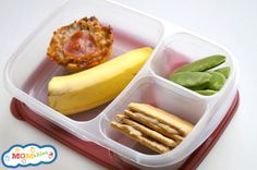 """Quick and easy lunch with Monkey """"Ice-Cream"""" Sandwiches, mashed bananas & nut butter, frozen inbetween two graham crackers. in post. Easy Homemade Ice Cream, Homemade Graham Crackers, Easy Lunch Boxes, Bento Recipes, How To Make Sandwich, Kid Lunches, School Lunches, Good Food, Fun Food"""