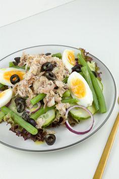Gerookte makreelsalade Salad Recipes, Healthy Recipes, Healthy Food, I Want Food, Still Tasty, Good Food, Yummy Food, Dutch Recipes, Happy Foods