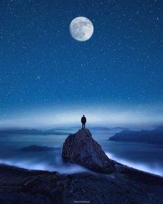 Artist Turns His Dreams into Breathtaking Surreal Photos - Joyenergizer Night Sky Wallpaper, Anime Scenery Wallpaper, Wallpaper Pictures, Alone Photography, Dark Photography, Cute Love Pictures, Cool Photos, Ciel Art, Dm Poster