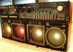 1987 Cougar JR-880 Audio Visual Disco Lite. Featured dual deck, VU meter display, 7-band equalizer and 4-way speakers.
