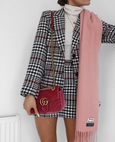 Stunning Winter Outfits You Should Already Own 35 Great plaid skirt 30 Pretty Spring Outfits For Cool Evenings Work 45 Lovey Fall Outfits To Shop This Moment / 26 Popular Fall Outfits To Update Your Wardrobe fall style outfits ideas to winter fashion 2019 Fashion Mode, Look Fashion, Korean Fashion, Smart Casual Fashion Women, Plaid Fashion, Blazer Fashion, Classy Fashion, 90s Fashion, Street Fashion