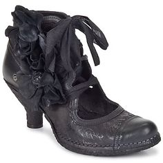 Neosens Croatina- Peterson Anthony Sitton-Aren't these smokin'? Pretty Shoes, Beautiful Shoes, Crazy Shoes, Me Too Shoes, Viktorianischer Steampunk, Heeled Boots, Shoe Boots, Mode Shoes, Bow Sneakers